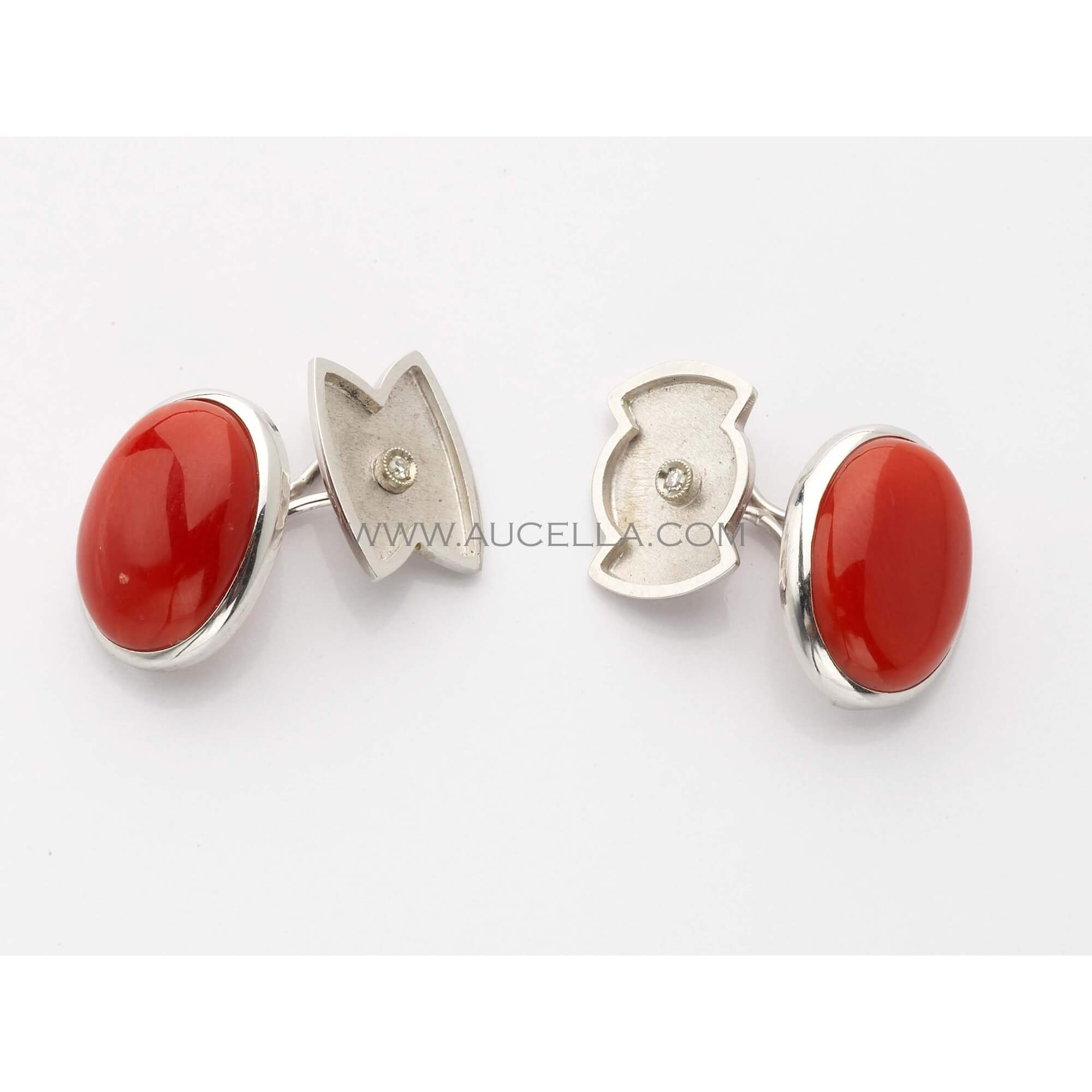 Cufflinks set in gold with red natural coral